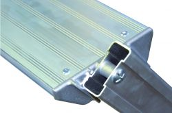 Pojízdné hliníkové schůdky FACAL 15 nášlapů + plošinka