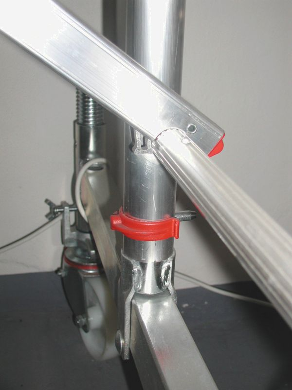 Upevňovací třměn rámu k lešení Hymer Euroform 7071