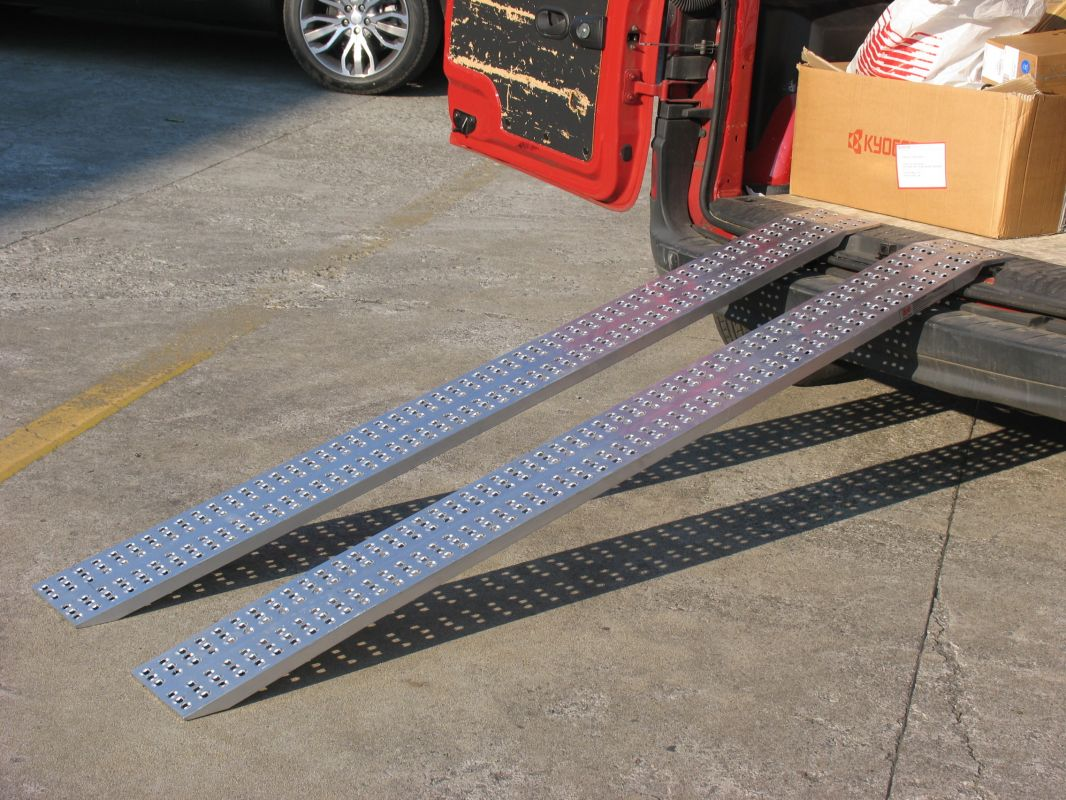 Hliníkové nájezdy přímé 2000x300 mm, 650-1000 kg Metalmec